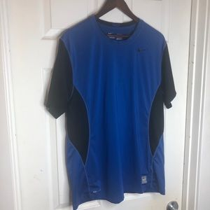Size XL Nike Fitted Active Tshirt